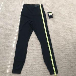 NEW Nike Dri-Fit hi Rise tight fit leggings